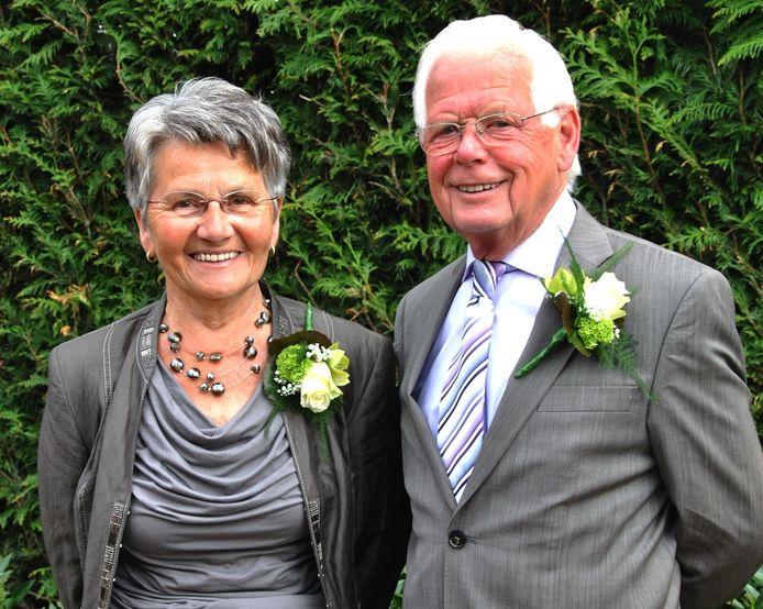 Joke en Wim Kruitbosch (beide 82) zijn vrijdagmiddag benoemd tot Lid in de Orde van Oranje-Nassau