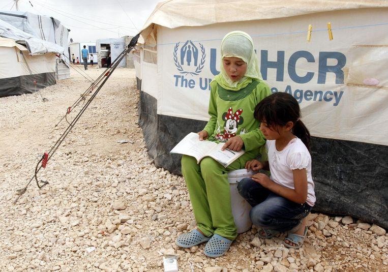 Syrische meisjes in een vluchtelingenkamp in Jordanië. Beeld epa