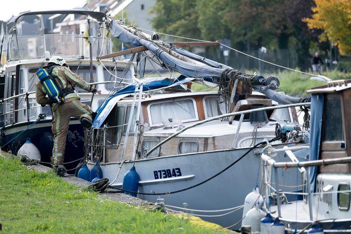 MECHELEN - Brand op een boot aan de Hanswijkvaart