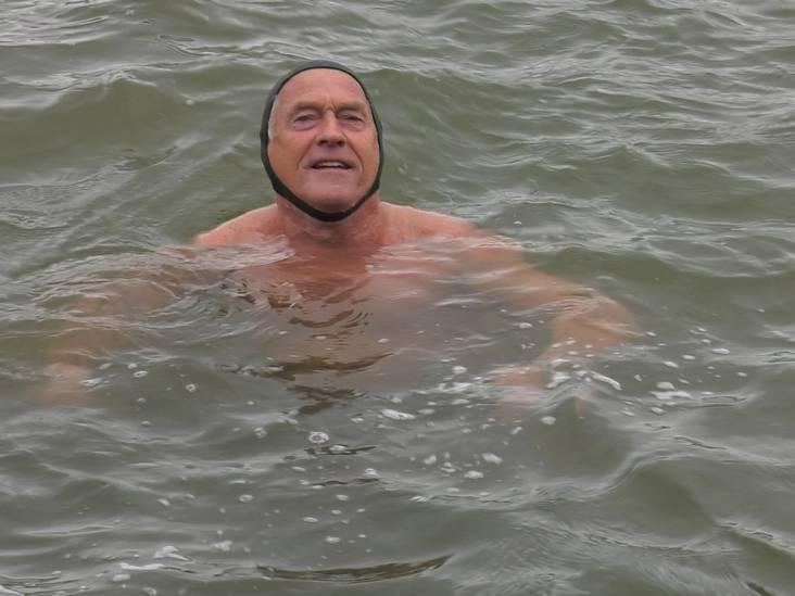 Joop (75) zwemt al jaren in afvalwater van fabrieken