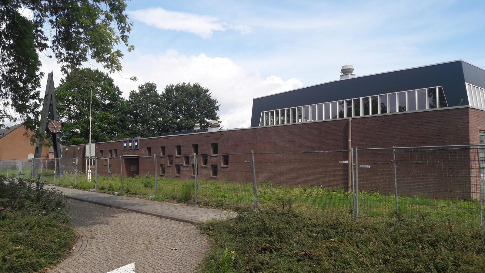 Voormalige Opstandingskerk aan de Bellamystraat in Terneuzen, tegenover winkelcentrum Zuidpolder.