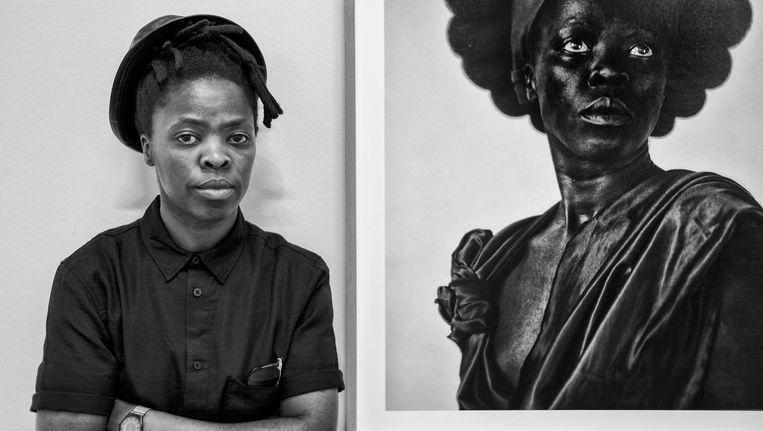 Fotograaf Zanele Muholi voor haar werk. Beeld Martijn van Nieuwenhuyzen