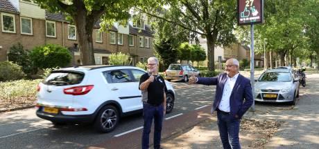 Met lage snelheid sparen voor Veldhovens plein