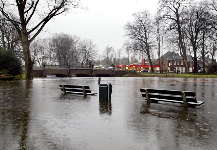 Hoogwater in Sint-Oedenrode in de winter van 2002-2003.