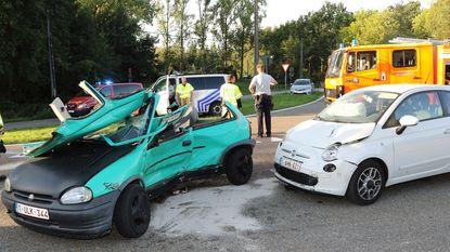 Bestuurster zwaargewond na crash op Zuiderring