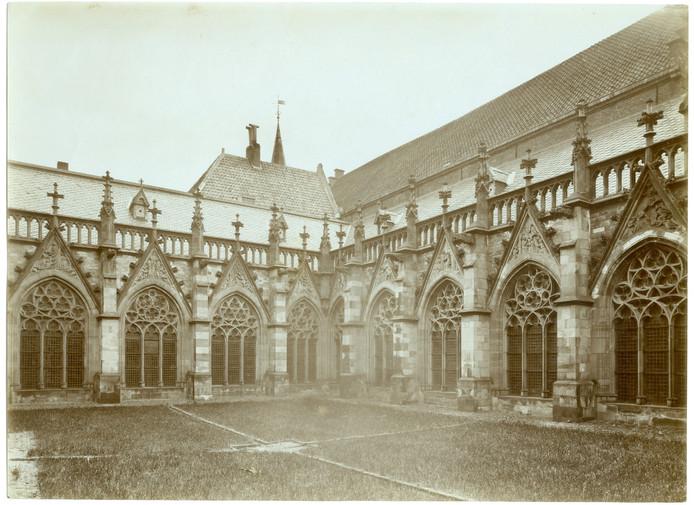De kloosterhof.