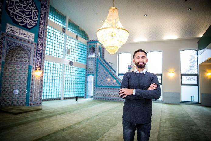 Ali Albostan wil een verbinding zijn tussen het moskeebestuur en de jongeren.