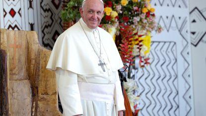 Paus Franciscus beschuldigt slachtoffers van seksueel misbruik van laster