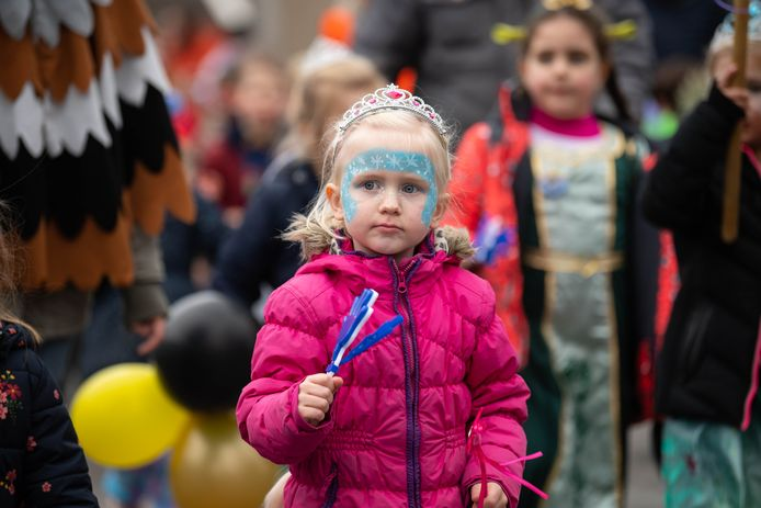 Kinderoptocht door de Oldenzaalse wijk De Thij.
