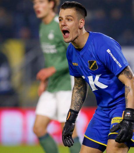 NAC-doelman Olij: 'Mijn verdedigers moeten mij niet horen als ik ze coach, zo hoort het'