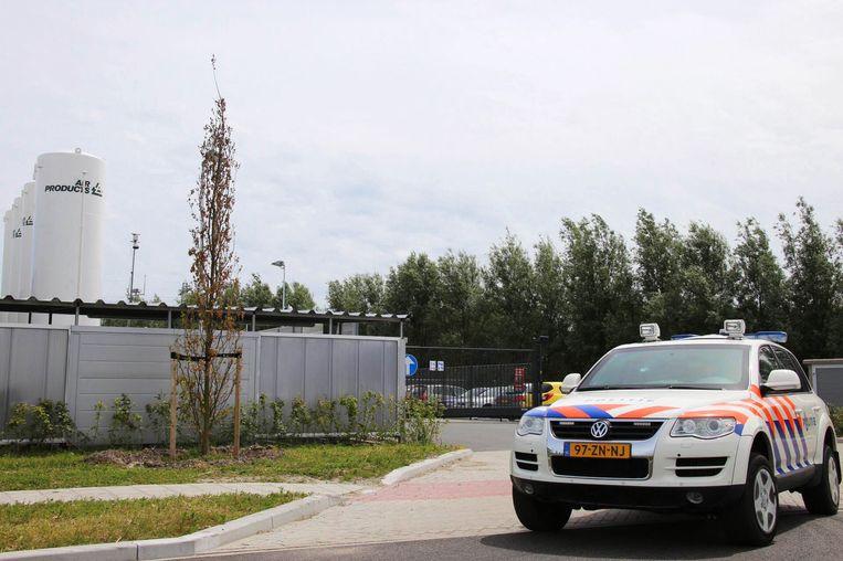 Extra politiebeveiliging bij een Nederlandse vestiging van Air Products. Beeld anp