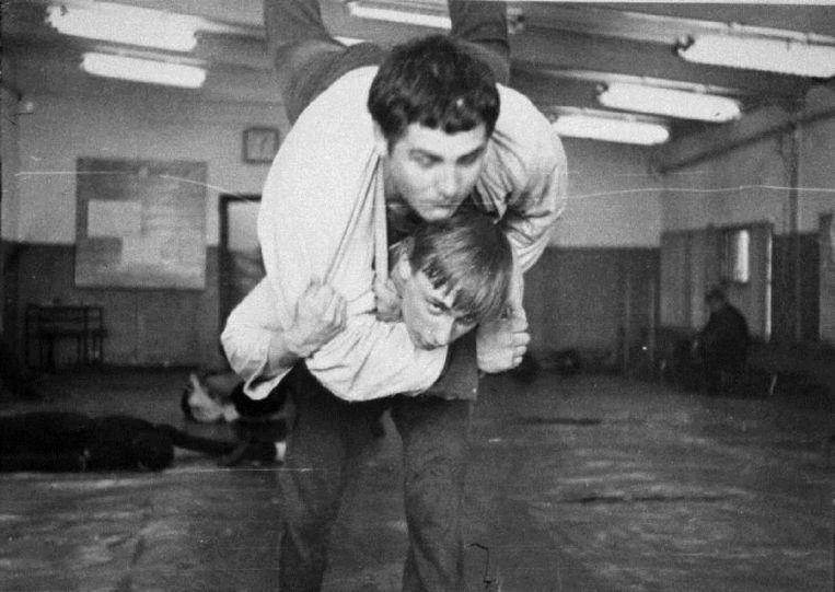 Poetin doet aan judo.