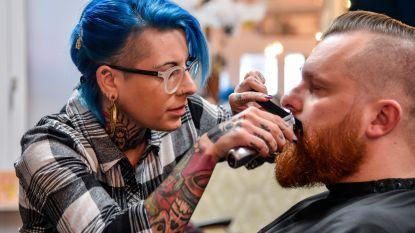 """Barbier met zenuwziekte moet zaak niet sluiten maar behoort wel tot risicogroep: """"Vrees voor mijn zaak als ik geen financiële steun krijg"""""""