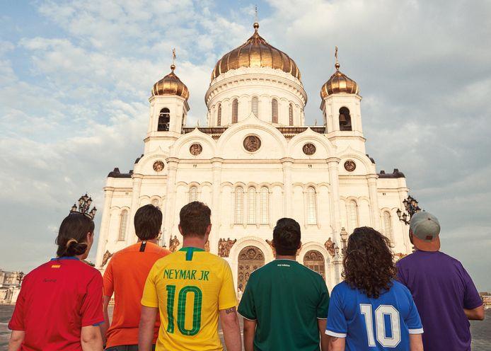 Voor de Russisch-orthodoxe Verlosser-kathedraal in Moskou.