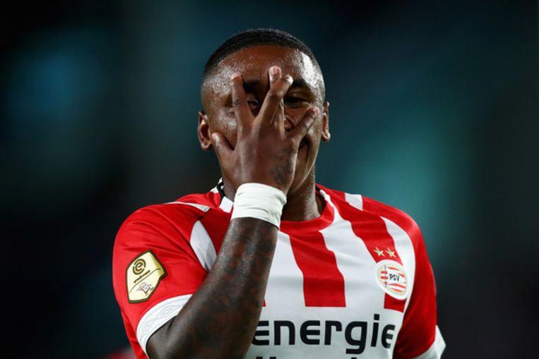 Steven Bergwijn viert zijn goal tegen FC Utrecht op 11 augustus Beeld Getty Images