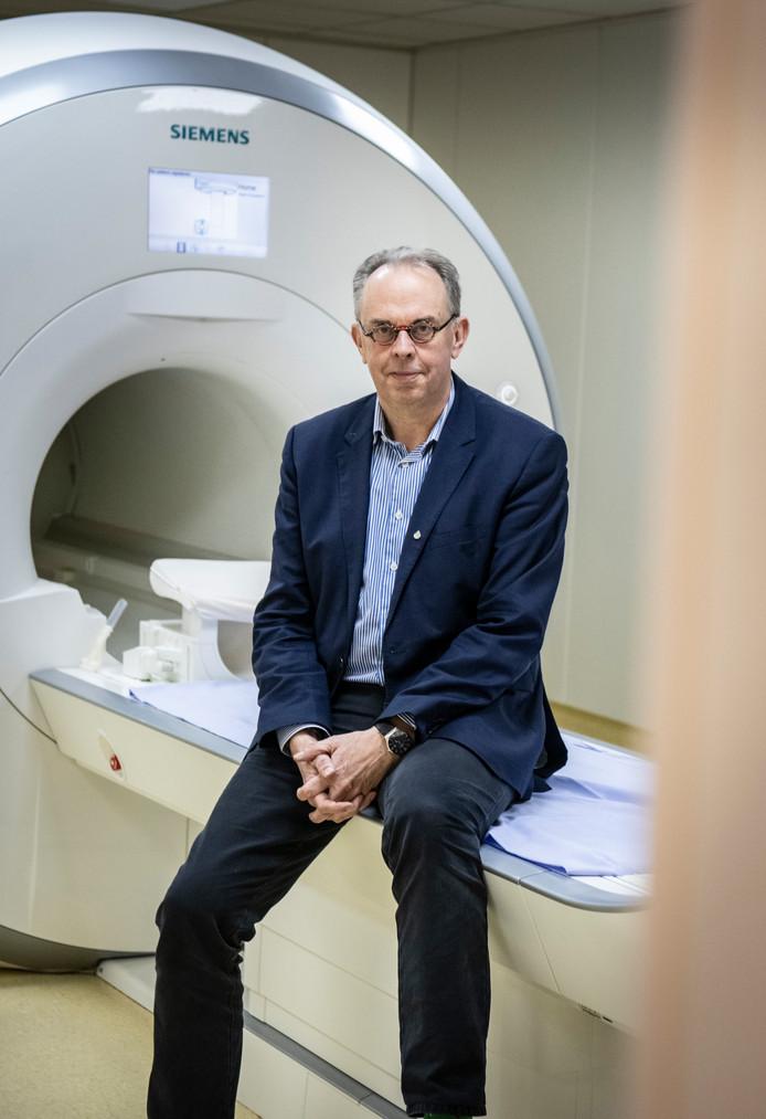 Peter Hagoort, geboren in Oudewater, is hoogleraar cognitieve neurowetenschappen en verbonden aan de Radboud Universiteit in Nijmegen.