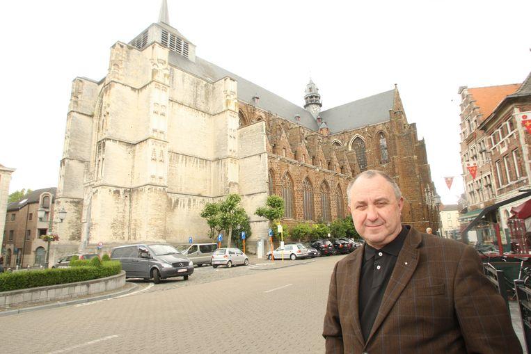 DIEST-Pastoor Felix Van Meerbergen mag zijn museum weer openen in de kerk.