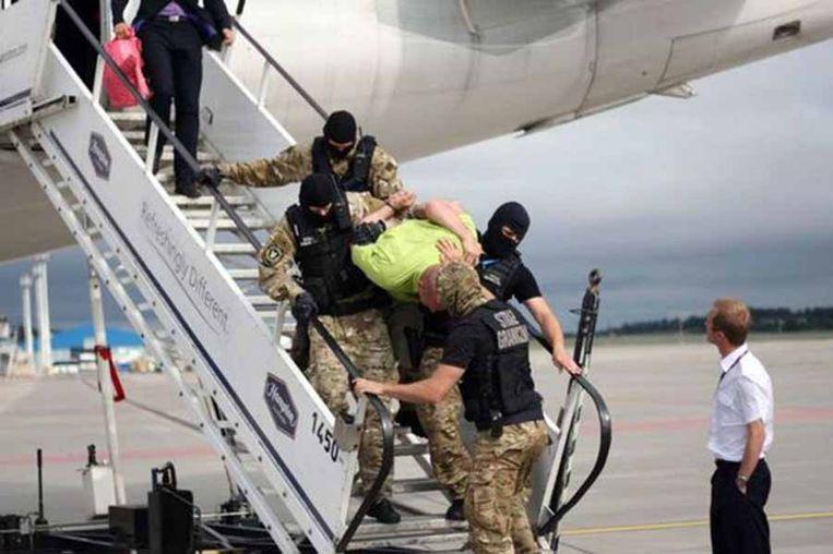 Dronken passagier op een Britse vlucht. Beeld RV