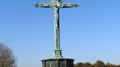 Calvarie op kerkhof definitief beschermd als monument