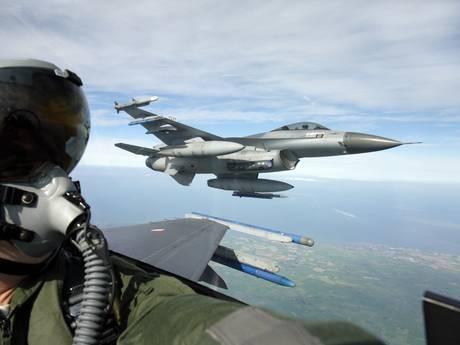 Twente ziet en hoort F16's uit Friesland oefenen