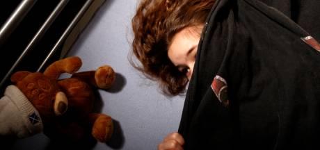 OM wil celstraf voor man uit Groessen die stiefdochtertje jarenlang intiem betastte