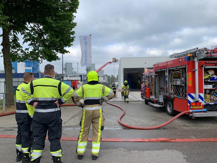 Brandweer is met veel wagens aanwezig in Nijmegen.