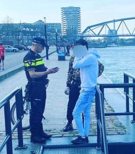 Politie ziet jongeman zwemmen in 'levensgevaarlijke' Waal: 'Hij kon z'n hoofd net boven water houden'