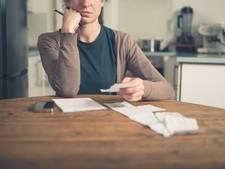 Werknemer met schulden kost geld
