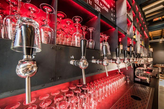 Stadsbrouwerij Stanislaus Brewskovitch in de voormalige Menistenkerk is één van de deelnemende brouwers aan het Stay at Home Bierpakket.