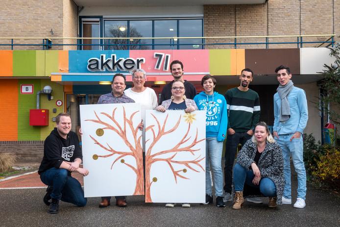 Het team van ImPower Arnhem, met tweede van links Rob Knuiman en naast hem Wilma Gerritsen.