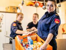Kerstpakkettenactie van Rotterdamse brandweervrouw Amanda (48) groot succes