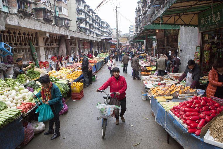 Groentemarkt in Chengdu. Beeld