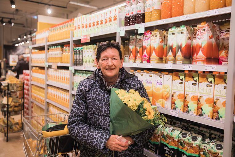 Elly Vangerven kreeg een boeket toen ze de winkel binnenkwam.