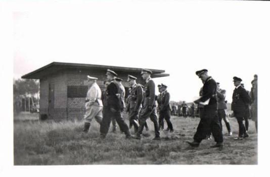 In oktober 1943 bezocht nazileider Hermann Göring (l) het complex op de Leusderheide.