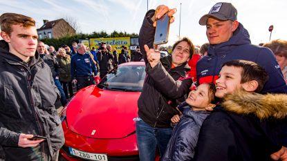 Al vóór de cross had Van der Poel heel wat bekijks: wereldkampioen arriveerde in stijl in Middelkerke
