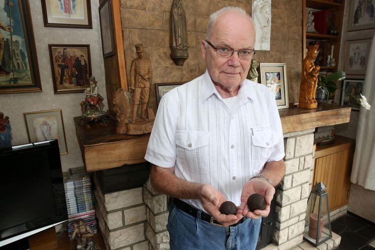 Emile Vannerom vond decennia geleden al twee kanonsballen in de Twaalfbundel in het gehucht Congo.
