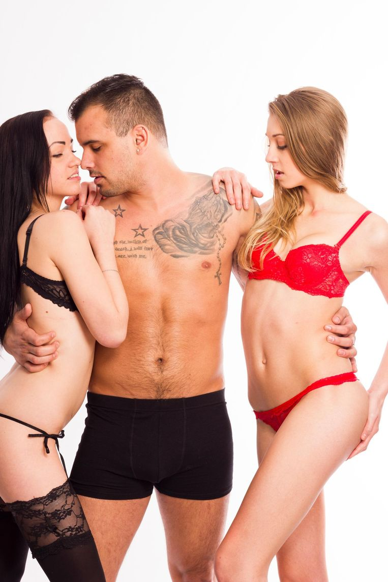 sexy bisexual threesome porn pictures