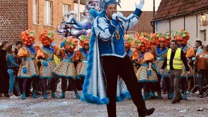 Prins Jean geeft carnavalsscepter door
