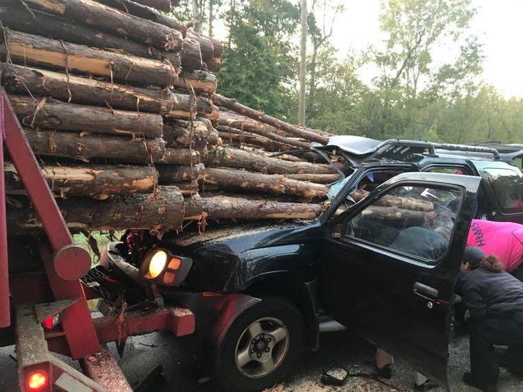 Als bij wonder raakte de bestuurder slechts lichtgewond.