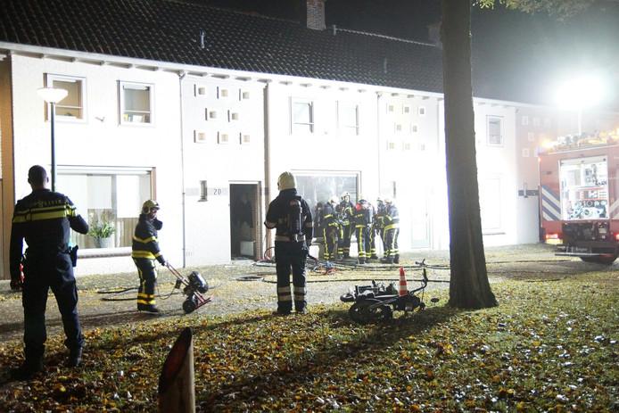 Bewoonster zwaar gewond bij woningbrand in Kaatsheuvel. Twee katten komen om.
