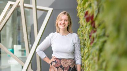 """""""Hoop en troost voor alle slachtoffers van seksueel misbruik"""": Lore Baeten (25) brengt boek 'Ve(e)rkracht' uit"""