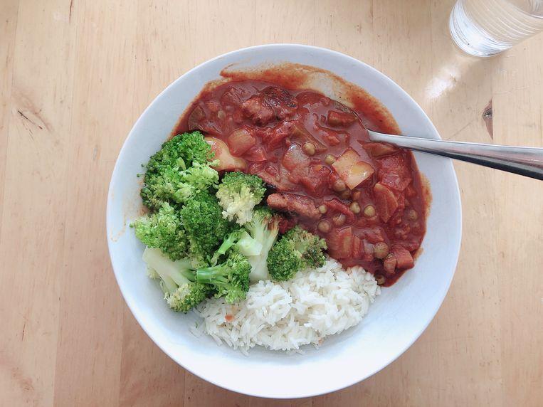 Vegetarische goulash.  Beeld Tallina van den Hoed