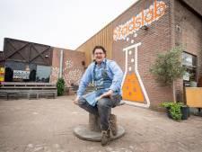 Jeroen Bos wil zoete kusjes en gekke dingen in Almelose Stadslab