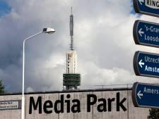 Commissaris mediawaakhond geschorst wegens 'vertrouwensbreuk' na publicatie roman