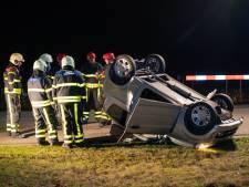 Twee oudere dames gewond als brommobiel op de kop slaat in Esbeek