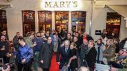 Ierse politicus en Europees commissaris Phil Hogan opent Irish Pub Mary's