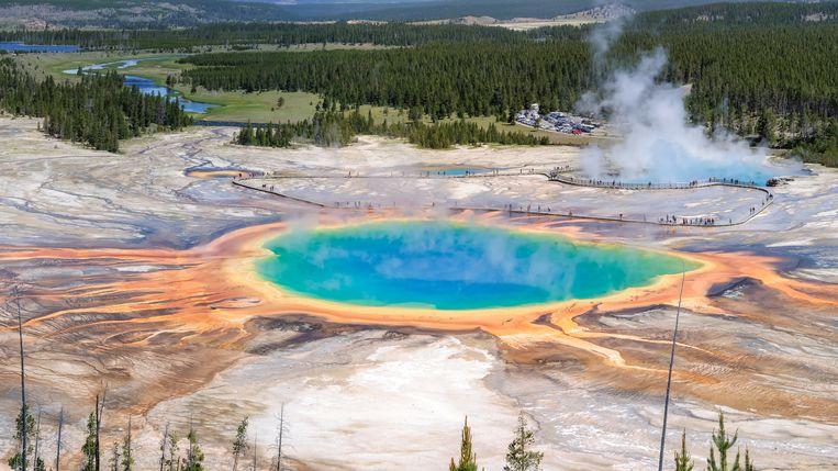 De grootste ondergrondse vulkaan of caldeira bevindt zich in het Yellowstone National Park in de Verenigde Staten.
