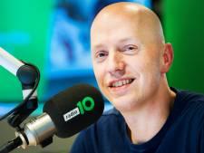 Radio 10 blij met beslissing OM rond coronalied Lex Gaarthuis
