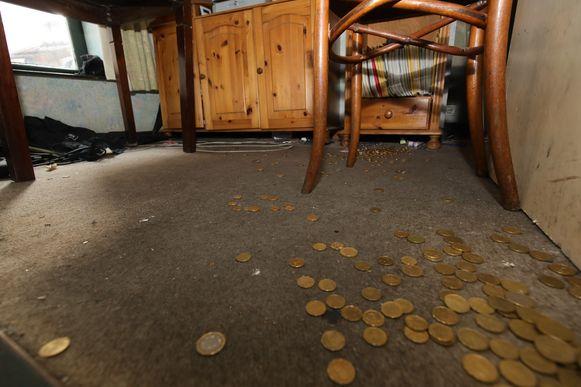Inbraak Estaminet: kluis gestolen: het kleingeld lag in de bureau rondgestrooid