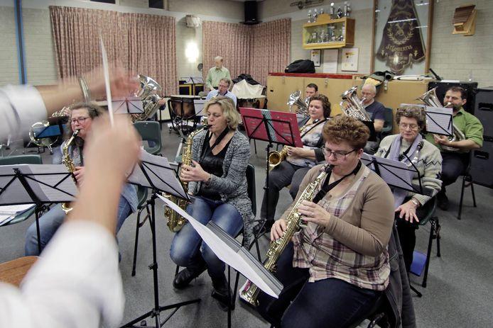 Repetitie van de Lithse fanfare Sint-Lambertus.